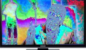 چرا رنگ ها در صفحه تلویزیون ترکیب می شود؟